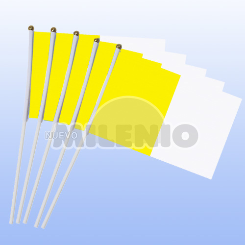 banderas-plasticas-papal-01
